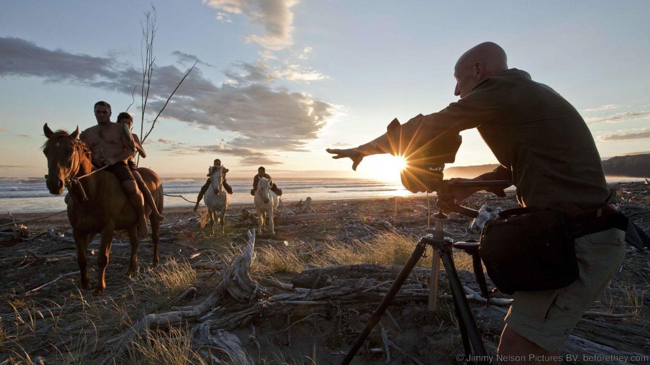 Джимми Нельсон. Документировал жизнь вымирающих племен, пытаясь донести до людей все величие их необ