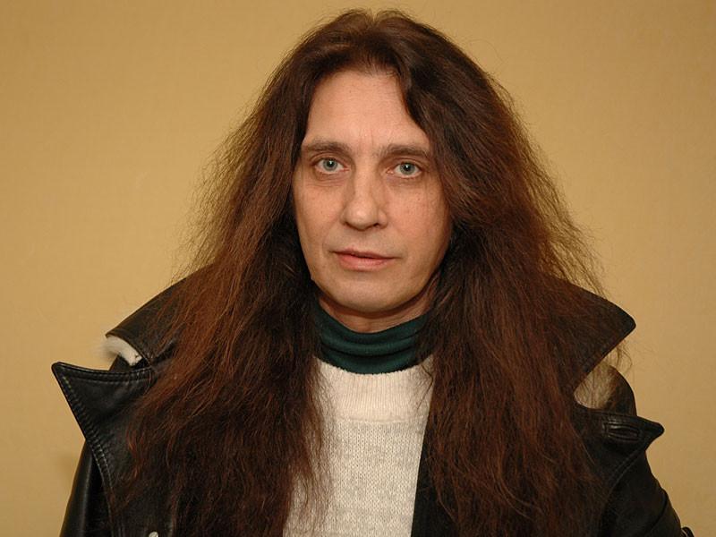 Александр Монин родился 19 декабря 1954 года в Будапеште. Любители музыки знают его в качестве основ
