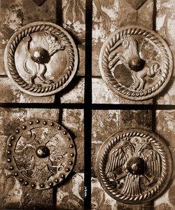 Вид деталей дверей церкви Иоанна Предтечи в Толчкове. Ярославль г.