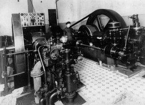 Машинное отделение завода по производству телеграфного оборудования Русского общества беспроволочных телеграфов и телефонов (Робтит).