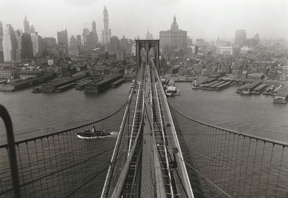 Вид Манхэттена с башни Бруклинского моста, 24 апреля 1933.jpg
