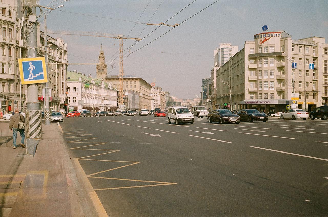 Садовое кольцо у Смоленской площади. Снято Смена 8м