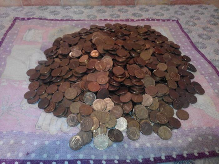 Сколько денег в двухлитровой банке?