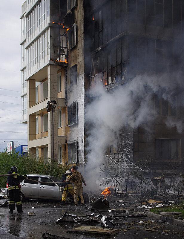 Пожар начался с восточной стороны