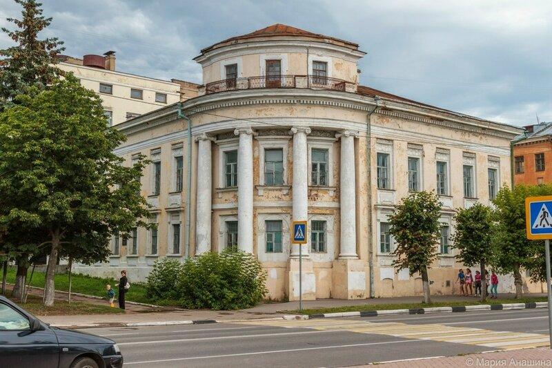 Старинное здание на набережной Афанасия Никитина, Тверь