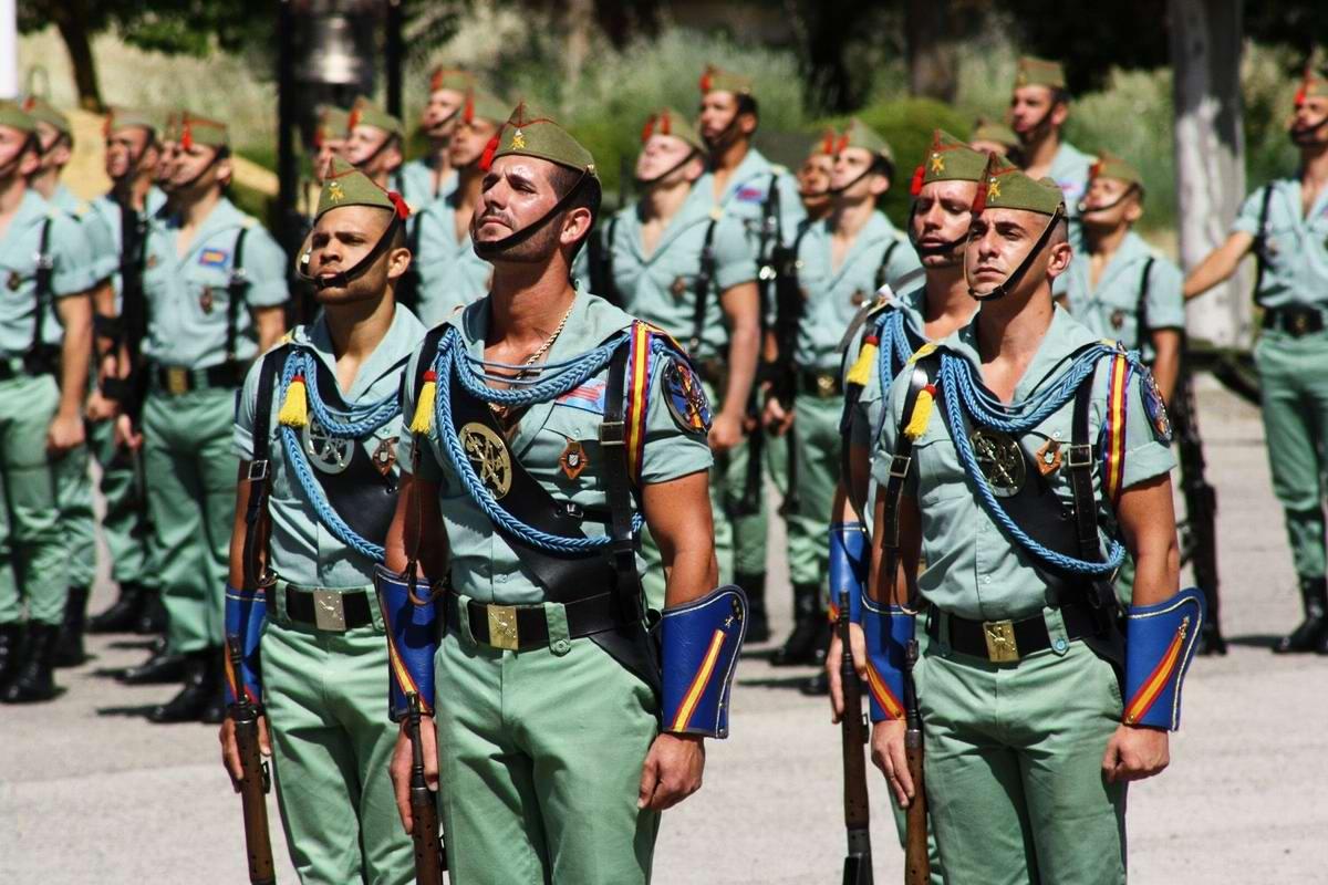Про козла на веревочке и другие атрибуты Испанского легиона (45)