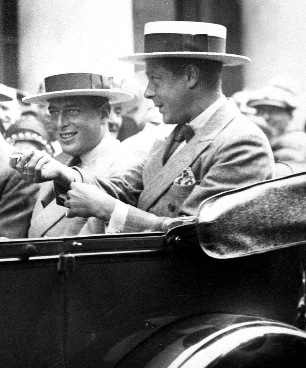 1927. Герцог Кентский и принц Уэльский