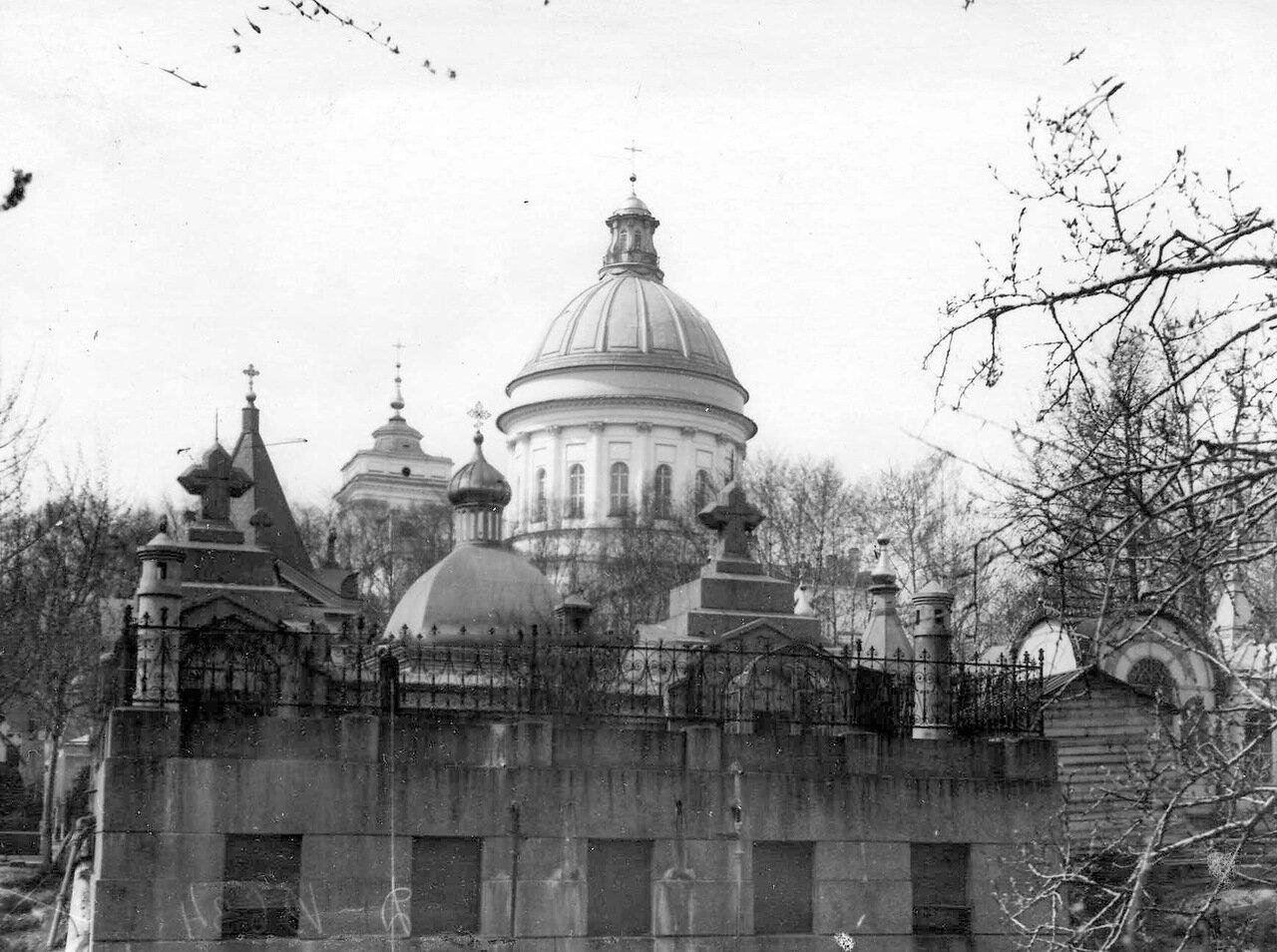 02. Вид кладбища