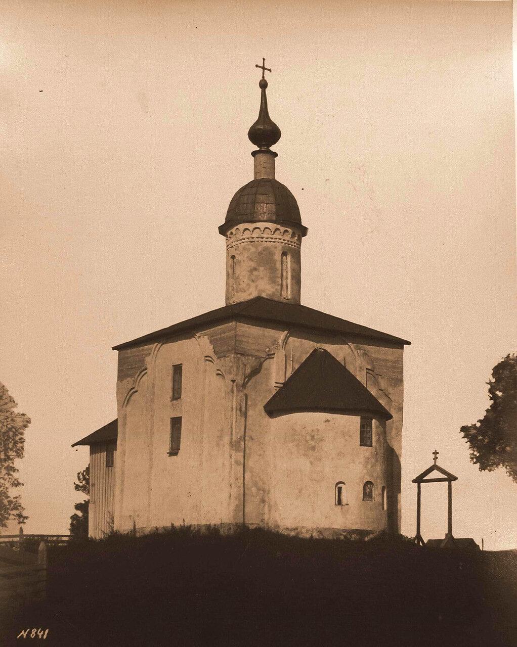 Вид юго-восточного фасада церкви Двенадцати Апостолов на Пропастех (построена в 1454 г.)