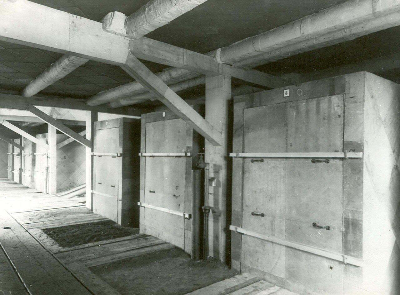 15. Несгораемые шкафы, изготовленные на заводе