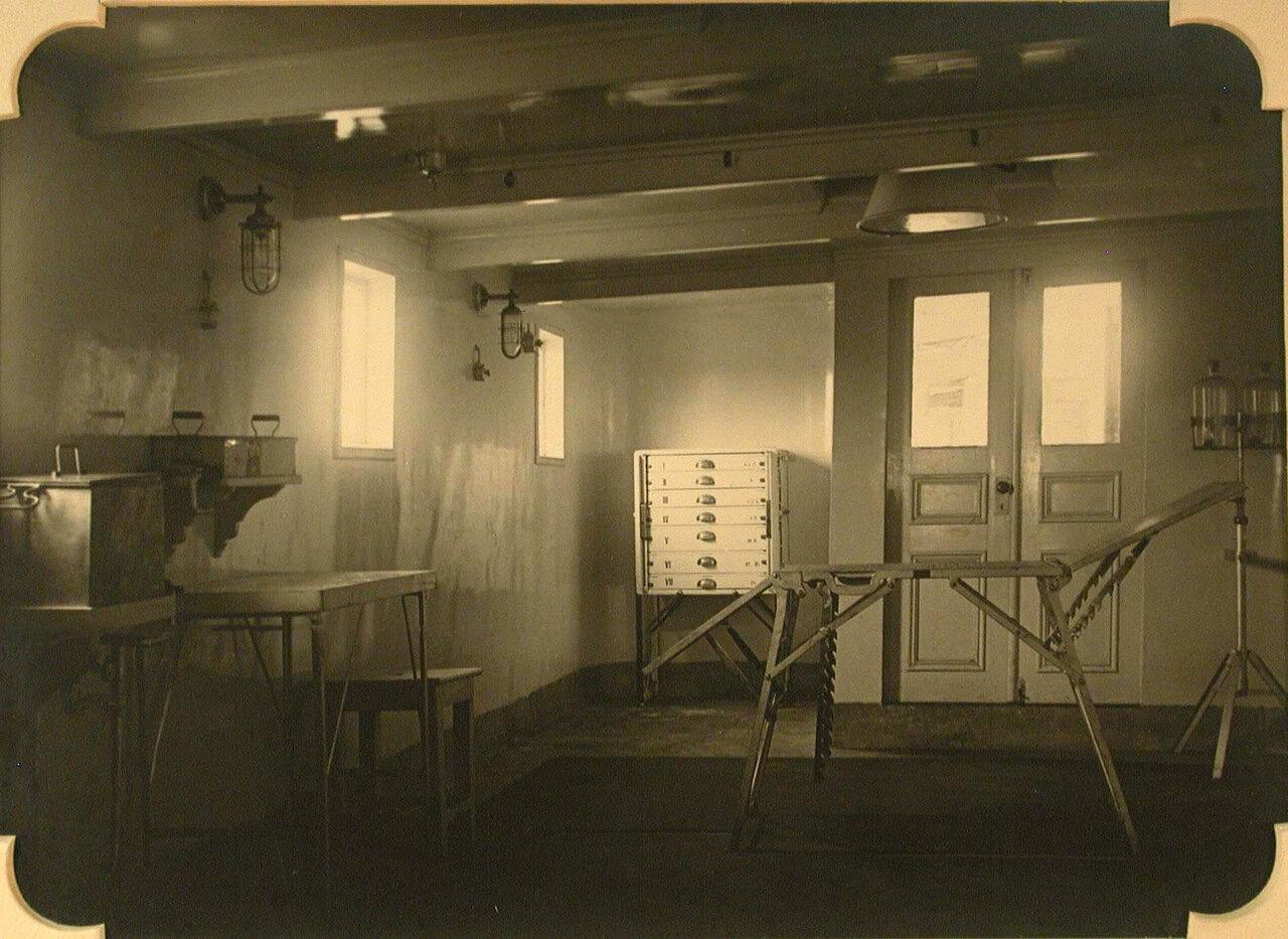 04. Вид части операционной госпиталя