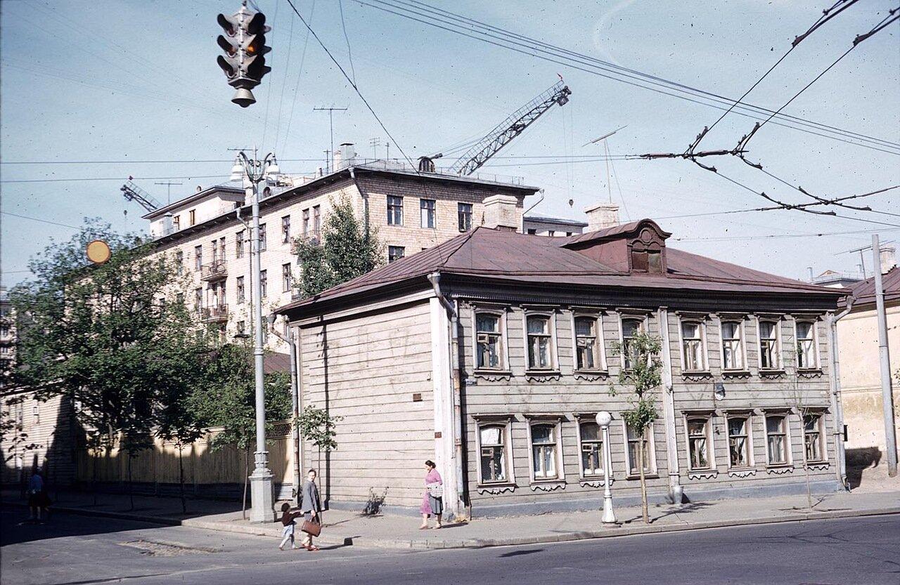 04. Где-то в Ленинграде (предположительно)