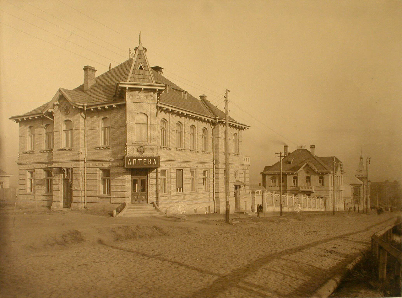 12. Вид здания, где находилась аптека и амбулатория общины