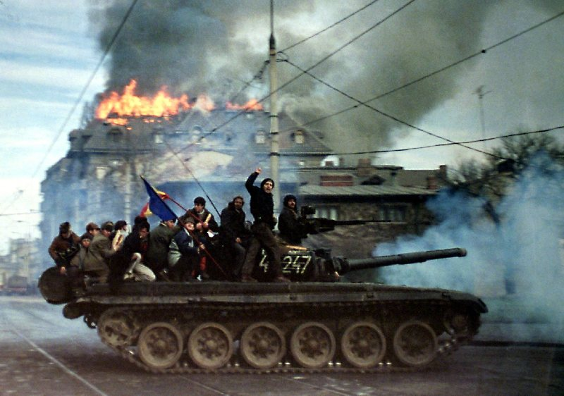 FILE PHOTO FROM ROMANIAN 1989 ANTI-COMMUNIST REVOLUTION IN BUCHAREST