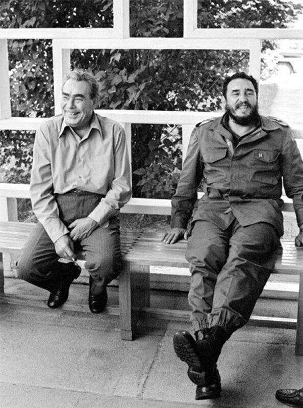 Л. И. Брежнев и Фидель Кастро. Автор Мусаэльян Владимир, 1972.jpg