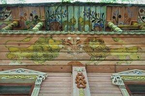 роспись фасадов домов на Русском Севере