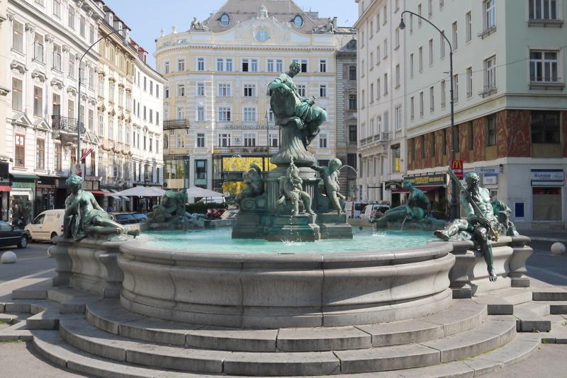 Wien_Donnerbrunnen_neuer_Markt_resize.JPG