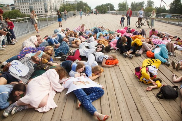 Сонный парад в Санкт Петербурге 3 июля 2014 года