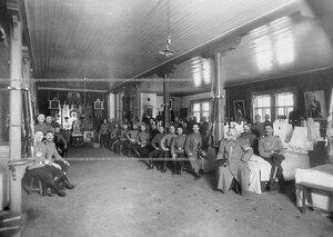Солдаты полка в казарме.
