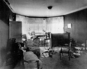 Комната дачи П.А.Столыпина на Аптекарском острове, пострадавшая от взрыва.