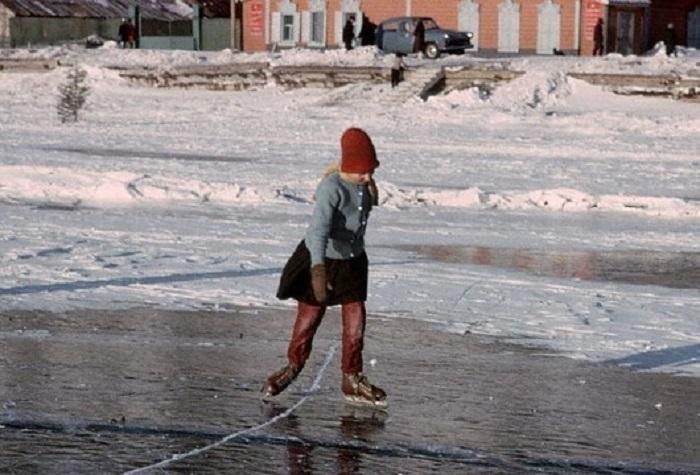 Катание на коньках, Байкал, 1966 год.