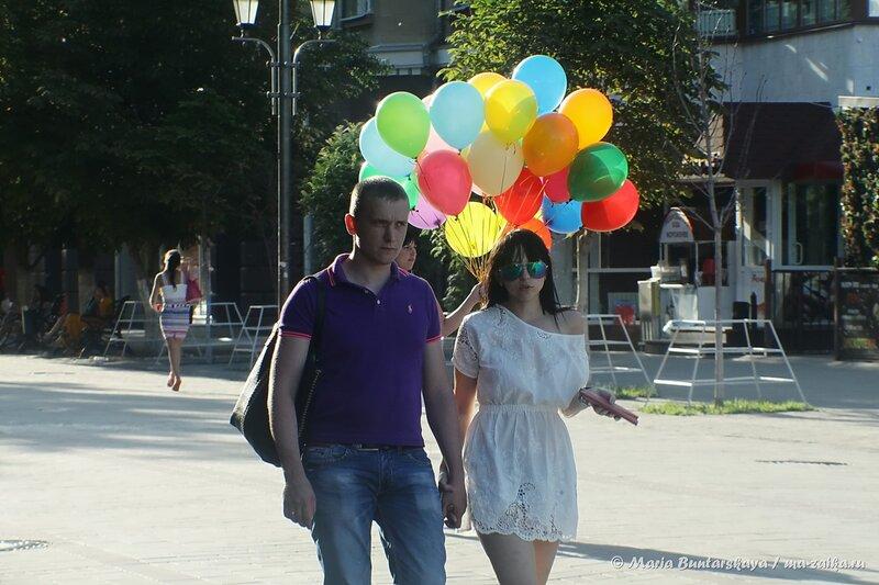 Воздушные шарики, проспект Кирова, 24 июля 2014 года