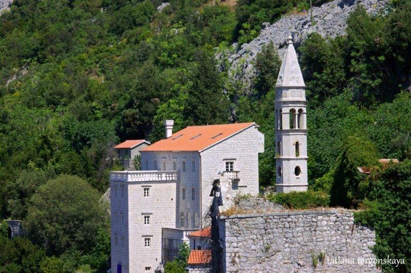 Церковь Госпа од Розария и дворец Змаевичей в Перасте