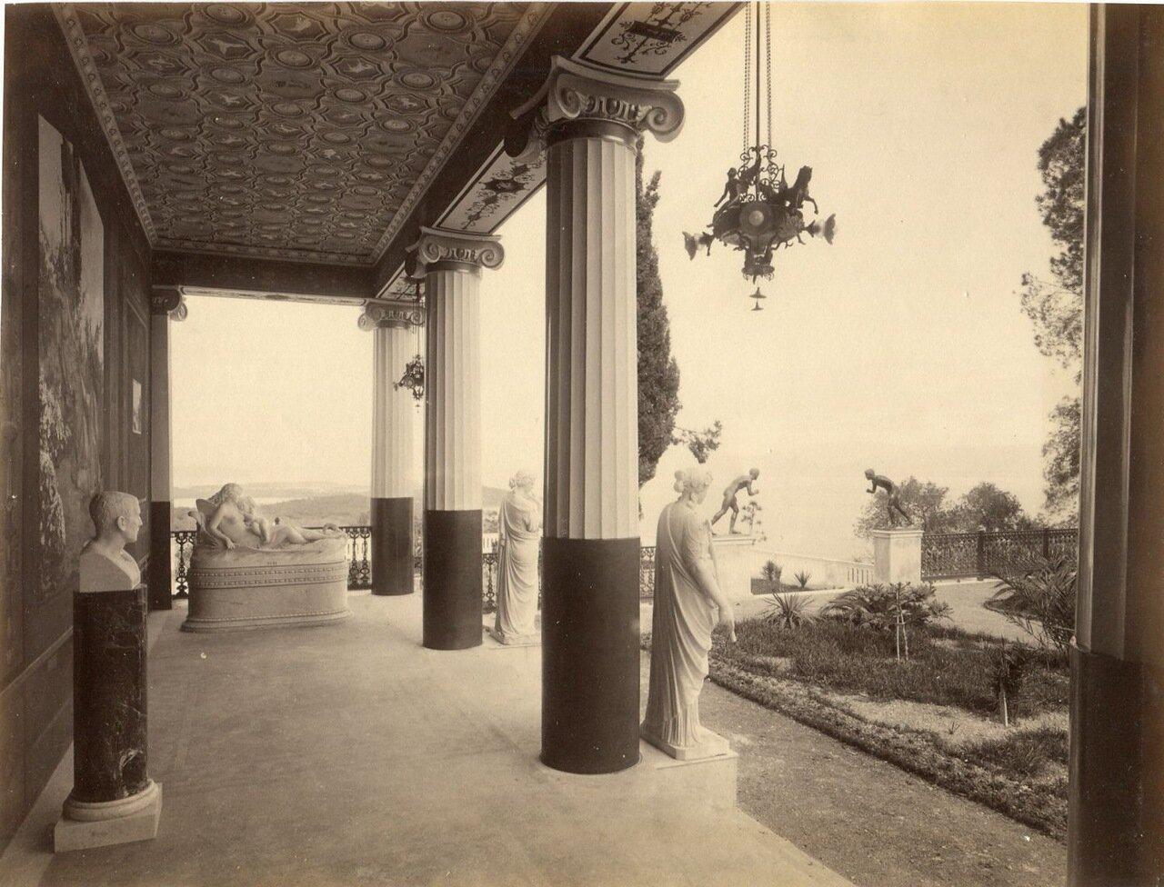 13. Терраса дворца