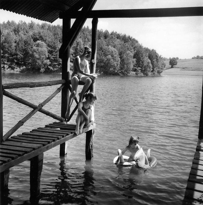 1955. Пляж в Aubessanges Pond