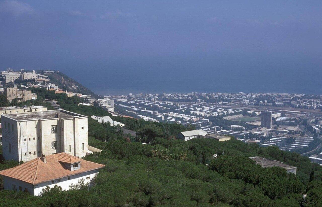 09. Вид на город и залив с улицы Яфе ноф