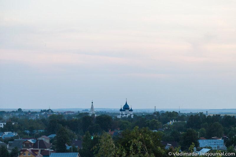 Вид с колокольни центр Суздаля - Рождественский собор в Суздале