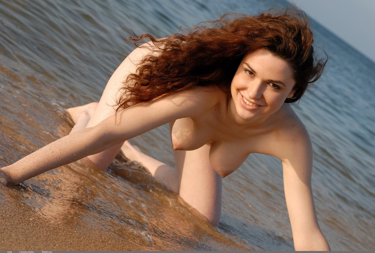 sexy-curly-hair-nudes-hot-ass-ex-girlfriend-amateur-nude-gif