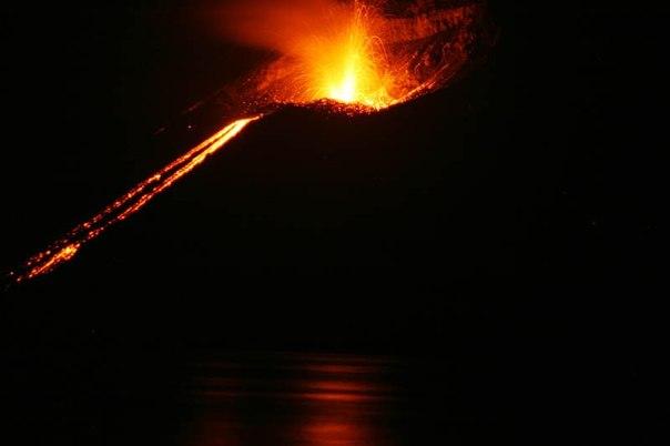 Красивые фотографии: извержения вулканов 0 10f56b 90047718 orig