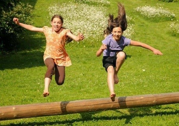 Радостные фотографии прыгающих людей и животных 0 13094a 81c4fcb3 orig