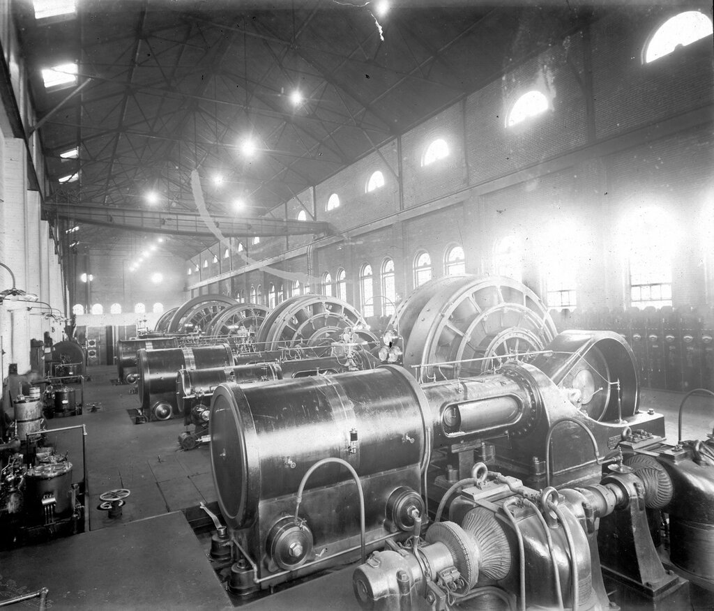 Generator room in the Denver Tramway Company Central Power Station, Denver, Colorado. between 1900 and 1905