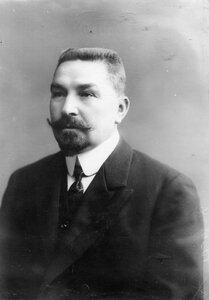 Директор училища Шафрановский Илларион Николаевич ( портрет ) .