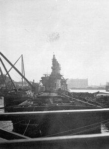 Крейсер Аврора на достройке у стенки Нового Адмиралтейства.