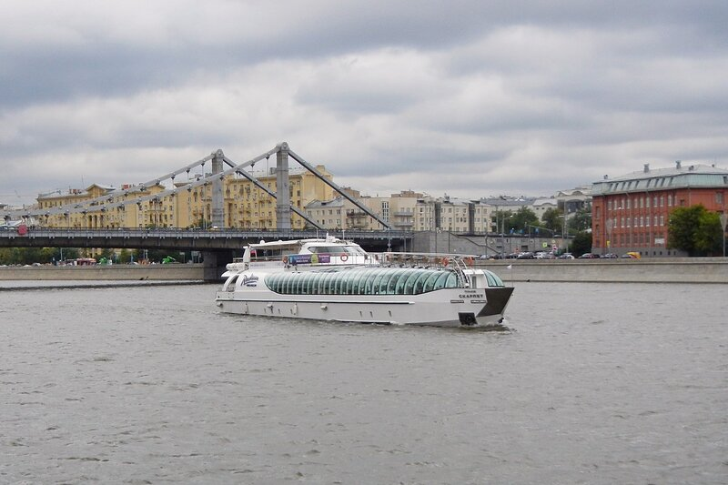 Прогулочный теплоход «Скарлет» на Москве-реке