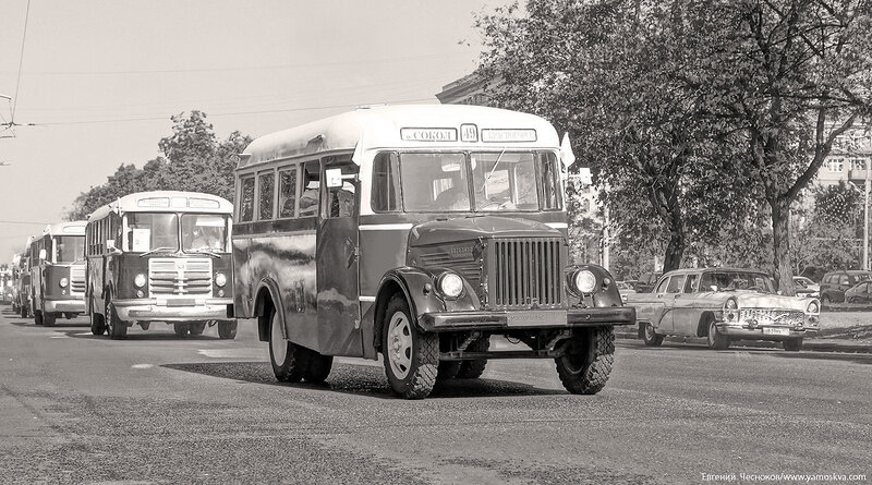 Лето. Парад ретроавтобусов. 09.08.14.45с..jpg