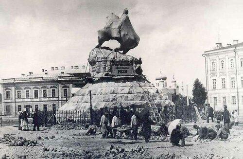 Памятник Богдану Хмельницком