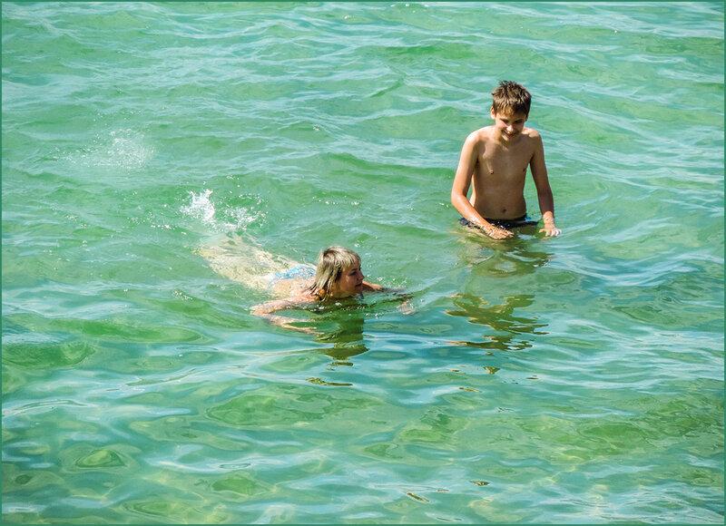 В тёплой воде Байкала