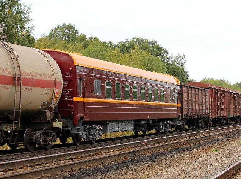 2ТЭ116-481 и вагон из Москвы