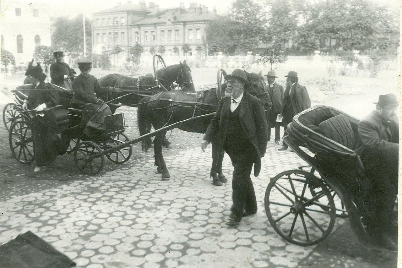 Приезд депутата Первой Государственной думы Долженкова (от Курской губернии) на первое заседание в Таврический дворец