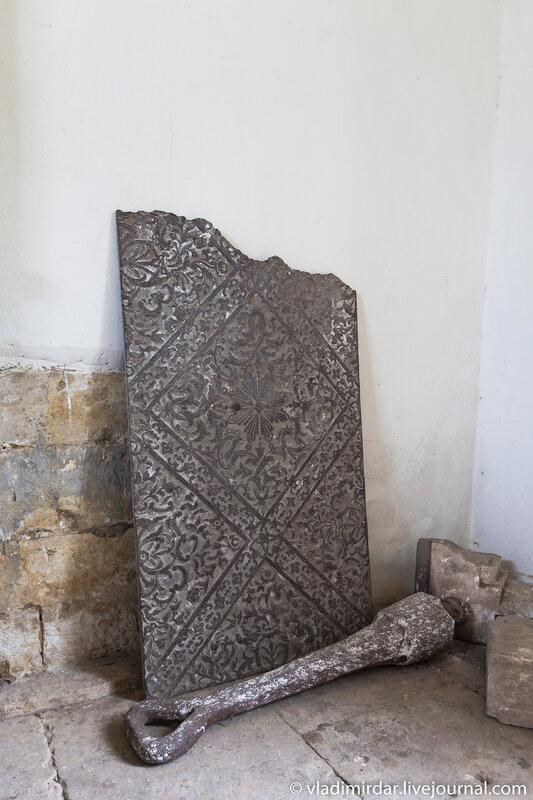 Археологические находки, найденные при реставрации Храма Преображения