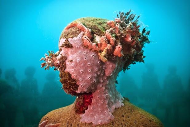Underwater sculpture, Jason Decaires Taylor.jpg