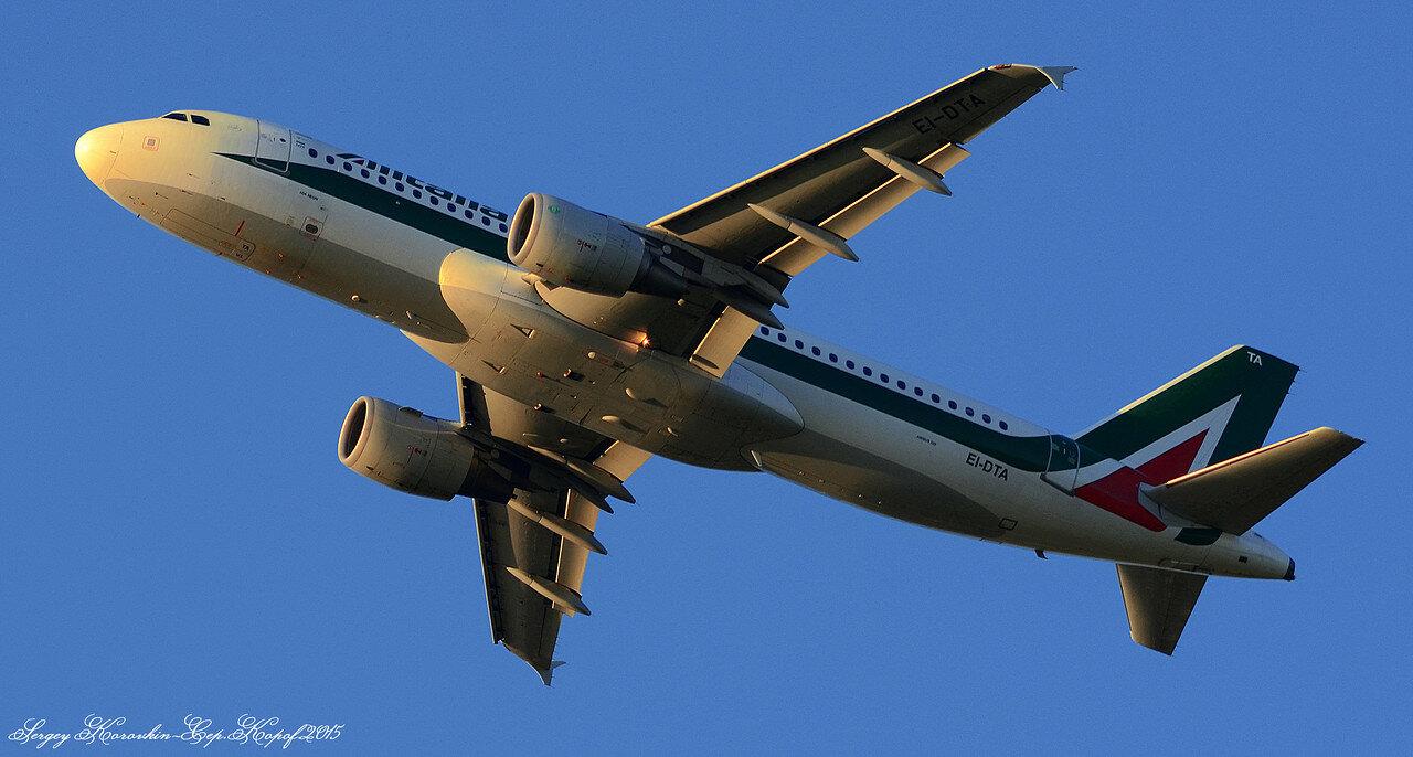 Airbus A320-216 Alitalia EI-DTA.JPG