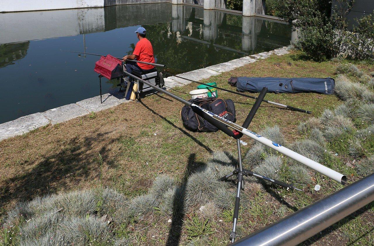 Leiria. Fishing in the Lys river