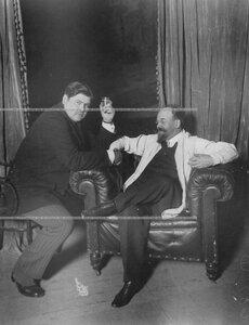 Александр Иосафович Тарский - артист театра А.С. Суворина (слева), с  писателем Петром Петровичем Гнедичем.