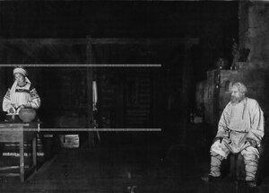 """Сцена из 1-го акта спектакля """"Власть тьмы"""" - пьеса Л.Н. Толстого."""