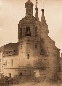 Вид колокольни Иоанно-Предтеченского монастыря. Казань г.